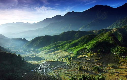 cropped-vietnam-fields-mountain1.jpg