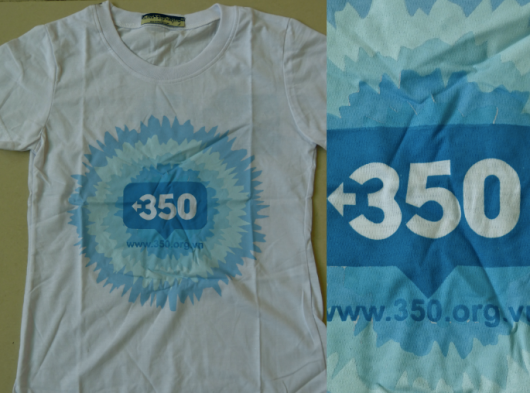 350 T-Shirt. 74,000 VND. Made from 100% cotton.